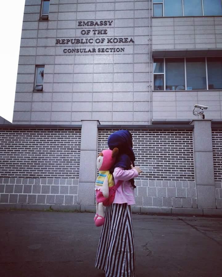 Dede Sofia iku ambil Visa Korea ke Embassy :)