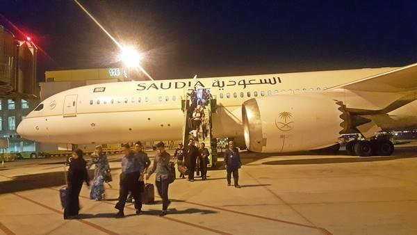 Sampai di Bandara Madinah Prince Abd Aziz